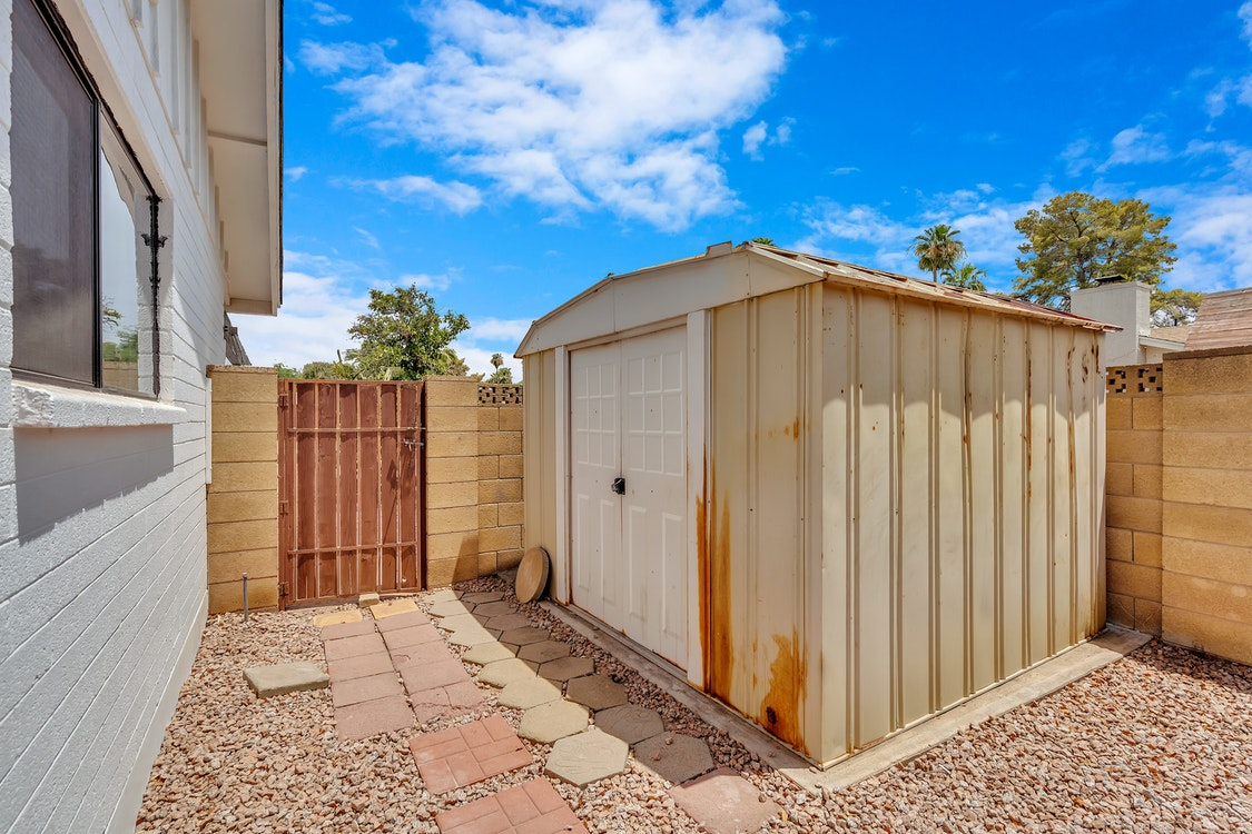 A Fundamental Guide on Choosing the Best Portable Storage Building for Your Use